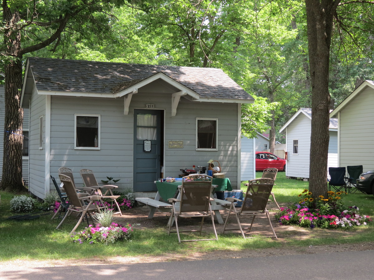 cabins christian singles A variety of sleeping quarters are available — most are in cabins, but both  rumph pavilion and  woodham lodge #1: 2 double beds and 2 single beds.